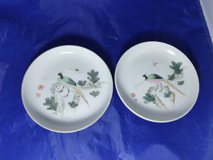 1 pair hand paint plats for Sale in ROWLAND HGHTS, CA