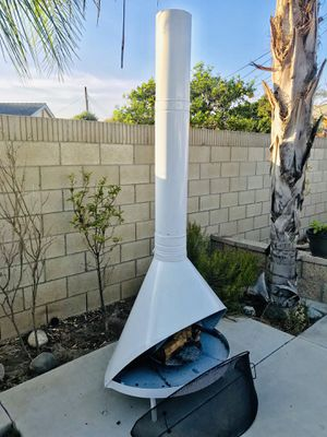 Mid century vintage Fireplace chimney outdoor fireplace fire pit for Sale in Santa Ana, CA