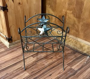 Wrought Iron Magazine Rack for Sale in Dickinson, TX