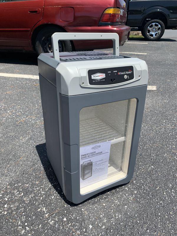Roadpro Snack master portable cooler/ warmer