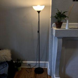 Black floor lamp for Sale in Philadelphia, PA