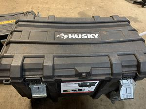 Selling husky tool box, 80 need gone ASAP moving for Sale in Waianae, HI