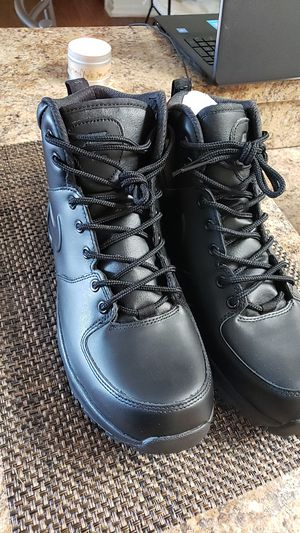 Nike Manoa boots for Sale in Tampa, FL