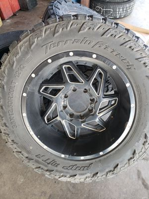 35x12.50 ...20 inch m/t ... for Sale in San Angelo, TX