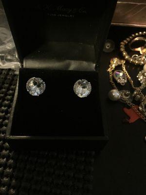 Diamond earrings for Sale in Dearborn, MI