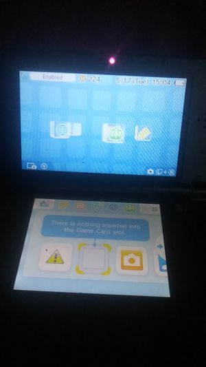 3ds xl barely used comes with charger price firm for Sale in Detroit, MI