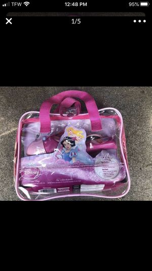 Shakespeare Youth Fishing Kits Disney Princess Purse Like New ONLY $20 RETAILS OVER $30 for Sale in Elmira, NY