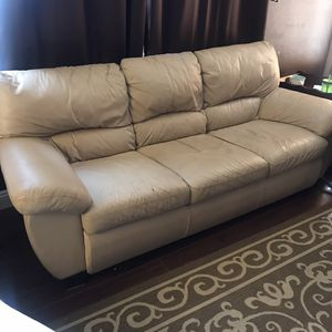 Leather couch for Sale in Victorville, CA