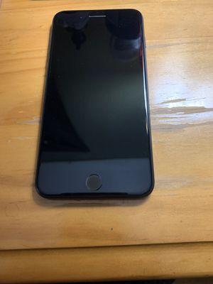iPhone 7 Plus 32gb for Sale in Huntington Park, CA