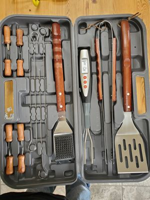Grill tool set for Sale in Fort Washington, MD