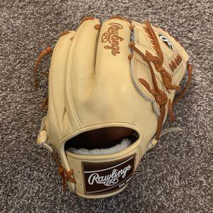 Rawlings 11 3/4 Inch Baseball Glove for Sale in Bakersfield, CA