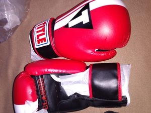 Boxing gloves,,size large for Sale in Grand Prairie, TX