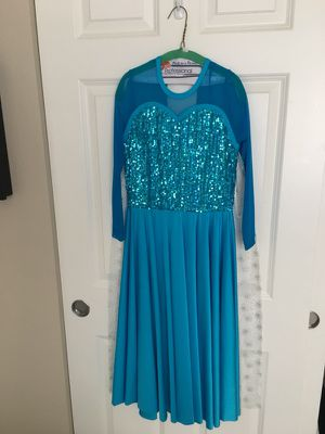 Elsa dress Kids size 8 for Sale in Lake Stevens, WA