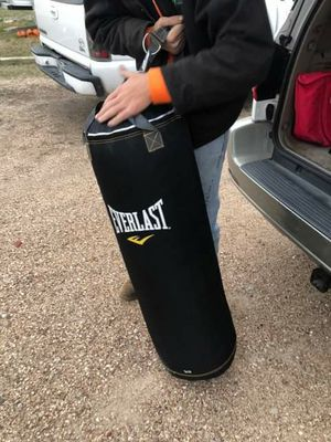 Everlast punching bag for Sale in Austin, TX