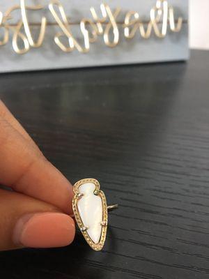 23716d6e3f6e White Pearl Kendra Scott Ring Size 6 for Sale in Dallas