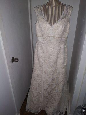 NWT David's Bridal Wedding Gown Sz 16 for Sale in Glassboro, NJ