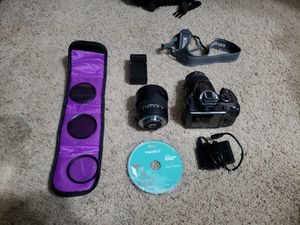 Nikon D3300 with 18-55mm and 18-250mm lens plus accessories. for Sale in Lakeland, FL