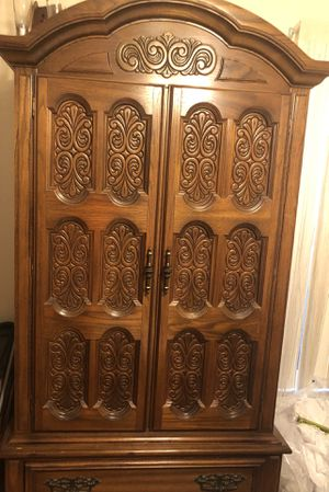 8-Piece (Older) Solid Oak Queen Bedroom Set for Sale in St. Cloud, FL