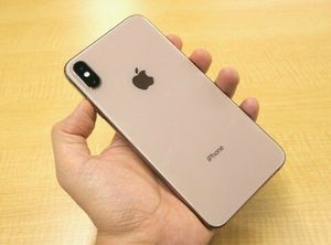 Unlocked iPhone XS 256GB Gold for Sale in Providence, RI
