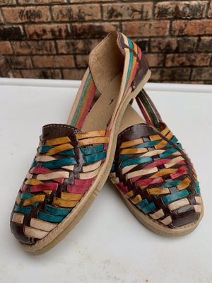 NEW WOMEN (BROWN/ TEAL/ NUDE/ YELLOW/HOT PINK) ARTESANAL HUARACHE for Sale in Pharr, TX