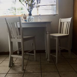 Farmhouse table and chairs for Sale in Bakersfield, CA