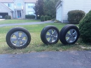 I sell 3 rim's with tires in good condition size P195/60R16 for Sale in Columbus, OH