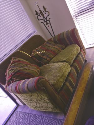 Free love seat in West Palm Beach for Sale in West Palm Beach, FL