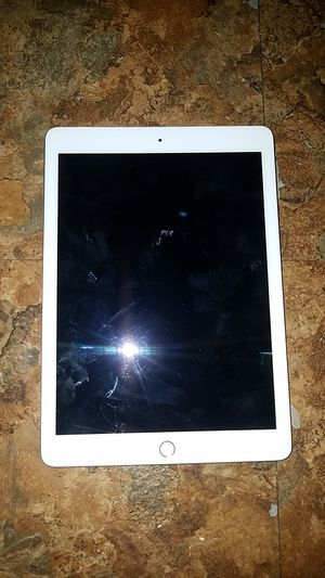 IPAD MODEL A1954 for Sale in Austin, TX