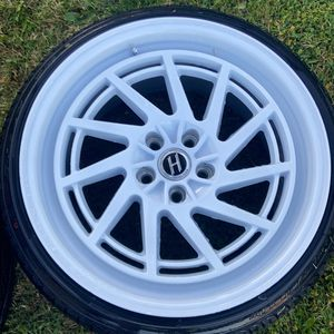 18x9.5 +35 offset 5x108 Heritage Wheels for Sale in Fontana, CA