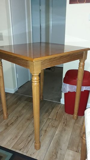 Dining table, high rise for Sale in Murfreesboro, TN