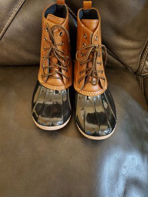 Rain and snow boots size 8 1/2 for Sale in Bell Gardens, CA