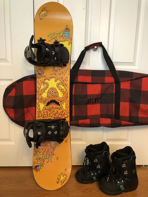 Burton 125 snowboard with bindings, Burton boots size 6, and Burton bag for Sale in Ontarioville, IL