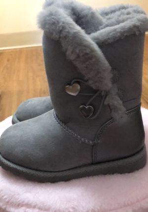 Toddler Girls Size 7 Winter Boots for Sale in Weymouth, MA
