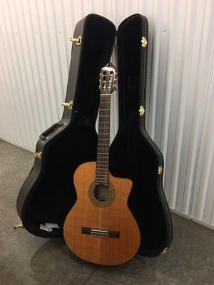 Washburn Classical C64SCE Guitar w/ Case for Sale in Santa Clara, CA