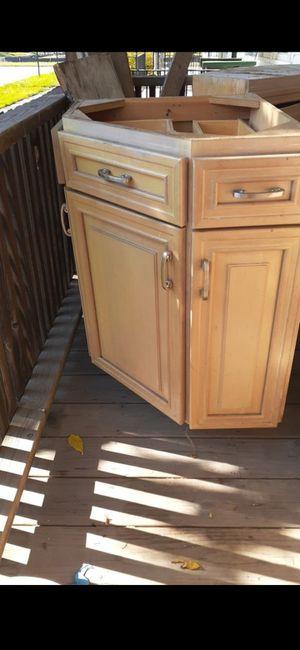 3 corner kitchen cabinets for Sale in Detroit, MI