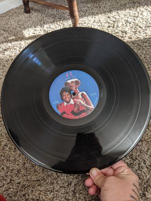 1982 universal studios michael jackson and E.T record alblum near mint condition make offer price negotiable for Sale in Seven Hills, OH