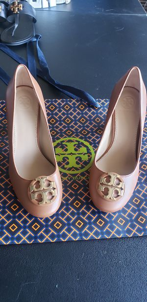 Tory burch for Sale in Pomona, CA