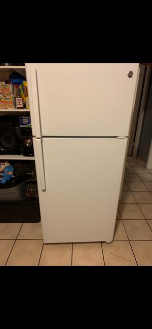 White refrigerator GE for Sale in Antioch, CA
