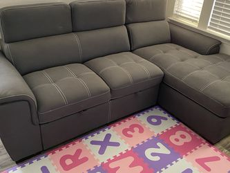 Grey Couch/Futon for Sale in San Diego,  CA
