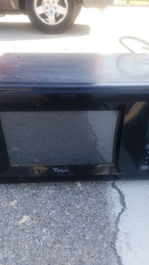 Whirlpool microwave for Sale in Oklahoma City, OK