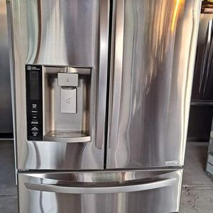 L.G Refrigerator for sale for Sale in Bakersfield, CA