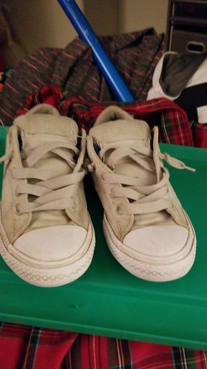 Converse sz 2 no tie for Sale in Chino, CA