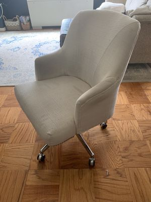 White Serta Rolling Desk Office Chair for Sale in Washington, DC