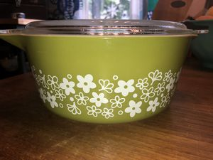 Vintage Green Pyrex dish for Sale in Schaumburg, IL