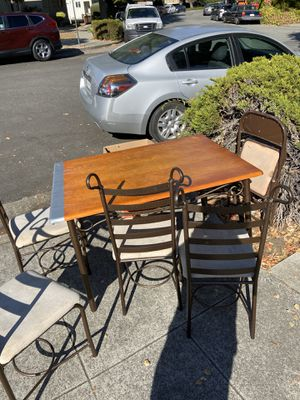 Table and chairs Dining table for Sale in Sunnyvale, CA