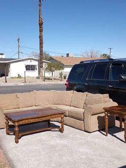Beautiful C Shaped Sectional & Coffee Table Set🧨 Free Delivery 🧨🚚🚚🚚🚚🚚 for Sale in Las Vegas,  NV