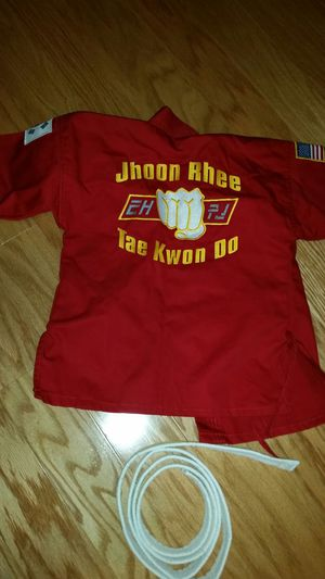 Tae Kwon Do costume, size 5-6 for Sale in Falls Church, VA