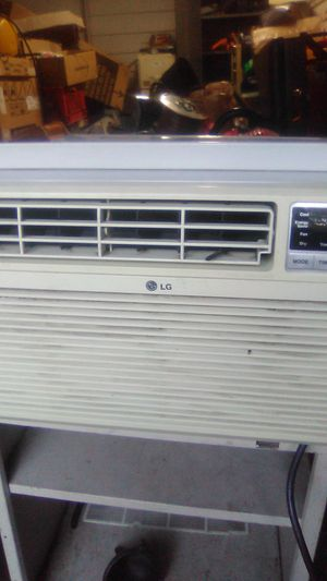 Lg 11000ac for Sale in St. Louis, MO