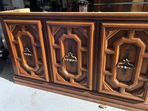 China hutch for Sale in Lorton, VA