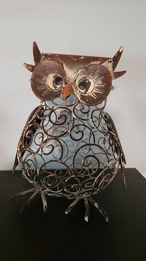 Large metal owl decore 10 x 8 for Sale in Callahan, FL
